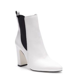 NWT Vince Camuto White Leather Boots
